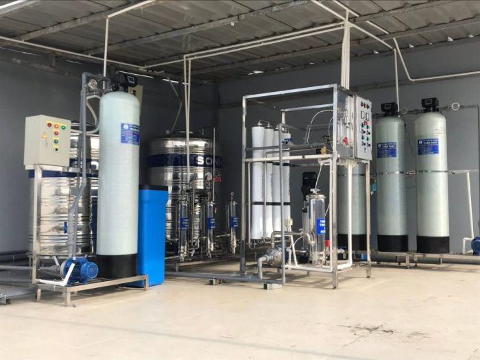 Hệ thống lọc nước có cột composite